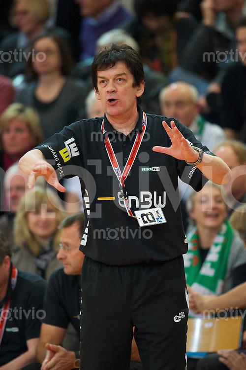 Trainer Velimir Petkovic (FAG) gibt Anweisungen