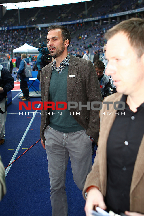 05.05.2012, Olympia Stadion, Berlin, Hertha BSC Berlin vs TSG 1899 Hoffenheim, im Bild Markus Babbel (coach TSG 1899 Hoffenheim) auf dem Weg zum Interview<br /> <br /> // during the Match Hertha BSC Berlin vs TSG 1899 Hoffenheim, Olympia Stadion, Berlin, Germany, on 2012/05/05,<br /> Foto &copy; nph / Sielski *** Local Caption ***