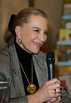 S.A.R. Le Princesse Michael de Kent &eacute;tait pr&eacute;sente &agrave; Bruxelles  pour la pr&eacute;sentation de son dernier livre. Apr&egrave;s une pr&eacute;sentation en tr&egrave;s bon fran&ccedil;ais, son altesse &agrave; &eacute;galement rencontrer les lecteurs et &agrave; r&eacute;alis&eacute;e plusieurs autographes.<br /> Le 27 novembre 2014, Bruxelles, Belgique