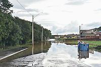 MONTE MOR,SP, 06.06.2016 - CHUVA. As chuvas que atingem todo o estado de São Paulo tem causado muitos prejuízos no interior de São Paulo. A cidade de Monte Mor, que é banhada pelo Rio Capivari, um dos formadores da bacia do PCJ, composta pelos rios: Piracicaba, Capivari e Jundiaí, apresenta vários pontos de alagamento, causando vários transtornos para a cidade. ( Foto: Mauricio Bento/ Brazil Photo Press)