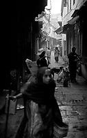 12.2010 Varanasi (Uttar Pradesh)<br /> <br /> Street scene .<br /> <br /> Sc&egrave;ne de rue.