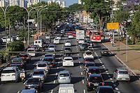 SAO PAULO, SP, 18.10.2013 - TRANSITO / CAPITAL PAULISTA - Transito intenso na Avenida Alcantara Machado sentido bairro na altura da Rua dos Trilhos no bairro da Mooca regiao central de Sao Paulo, nesta sexta-feira, 18. (Foto: Thiago Ferreira / Brazil Photo Press).
