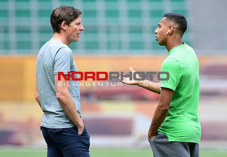 v.l. Trainer Oliver Glasner (Wolfsburg), Joao Victor<br />Wolfsburg, 27.06.2020: nph00001: , Fussball Bundesliga, VfL Wolfsburg - FC Bayern Muenchen<br />Foto: Tim Groothuis/Witters/Pool//via nordphoto<br /> DFL REGULATIONS PROHIBIT ANY USE OF PHOTOGRAPHS AS IMAGE SEQUENCES AND OR QUASI VIDEO<br />EDITORIAL USE ONLY<br />NATIONAL AND INTERNATIONAL NEWS AGENCIES OUT