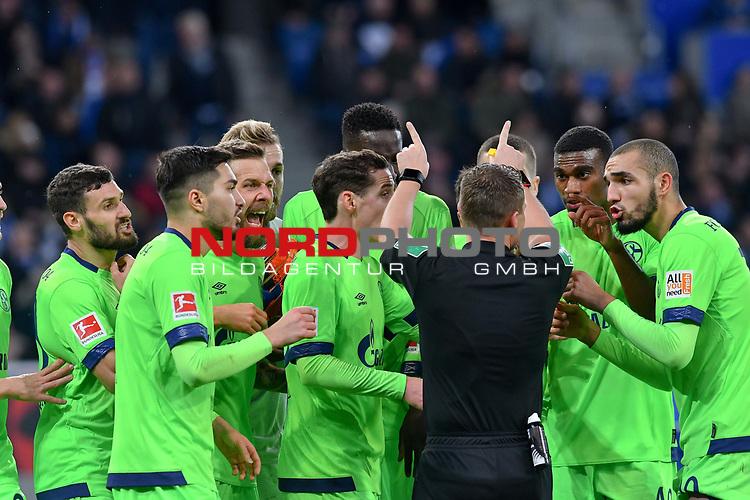 01.12.2018, wirsol Rhein-Neckar-Arena, Sinsheim, GER, 1 FBL, TSG 1899 Hoffenheim vs FC Schalke 04, <br /> <br /> DFL REGULATIONS PROHIBIT ANY USE OF PHOTOGRAPHS AS IMAGE SEQUENCES AND/OR QUASI-VIDEO.<br /> <br /> im Bild: Sebastian Rudy (FC Schalke 04 #13), Guido Burgstaller (FC Schalke 04 #19), Bastian Oczipka (FC Schalke 04 #24), Salif Sane (FC Schalke 04 #26), Haji Wright (FC Schalke 04 #40), Nabil Bentaleb (FC Schalke 04 #10) diskutieren nach dem Elfmeterpfiff mit Schiedsrichter Dr. Robert Kampka<br /> <br /> Foto © nordphoto / Fabisch