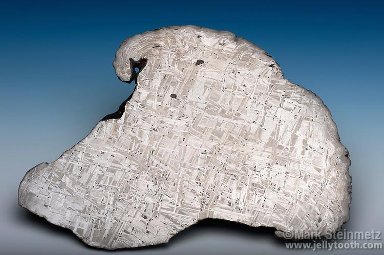 Cross-section of an iron-nickel meteorite showing the Widmanstätten pattern