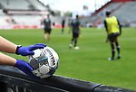 nph00001  Balljunge St. Pauli mit Gummihandschuhe und Derbystar Ligaball<br /> Hamburg, 17.05.2020, Fussball 2. Bundesliga, FC St. Pauli - 1. FC Nuernberg <br /> <br /> Foto: Tim Groothuis/Witters/Pool//via Kokenge/nordphoto