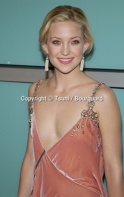 "Kate Hudson arriving at the premiere of "" How To Lose A Guy In 10 Days "" at the Cinerama Dome in Los Angeles. January 27, 2003.          -            HudsonKate14.jpg"