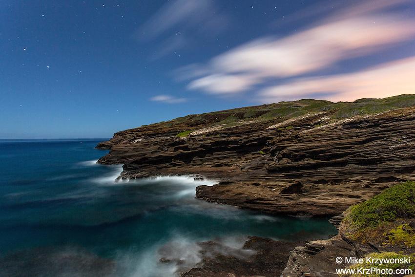 Sea cliff at night near Hanauma Bay, Oahu