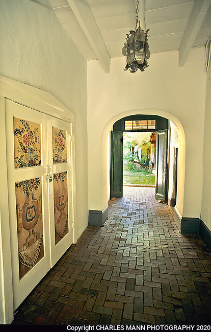 El Zaguan is an historic building and garden on Canyon Road  in Santa Fe and is the home office of the Historical Society of Santa Fe.