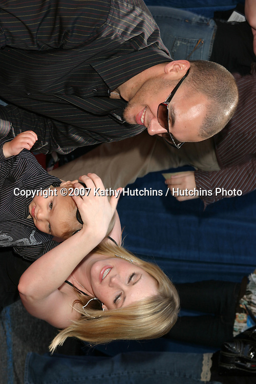 "Melissa Joan Hart, son Mason, husband Mark Wilkerson.""Meet the Robinson's"" World Premiere.El Capitan Theater.Los Angeles, CA.March 25, 2007.©2007 Kathy Hutchins / Hutchins Photo."