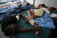 The post-op ward at the public hospital in downtown Port au Prince,  Jan. 2010. (Australfoto/Douglas Engle)