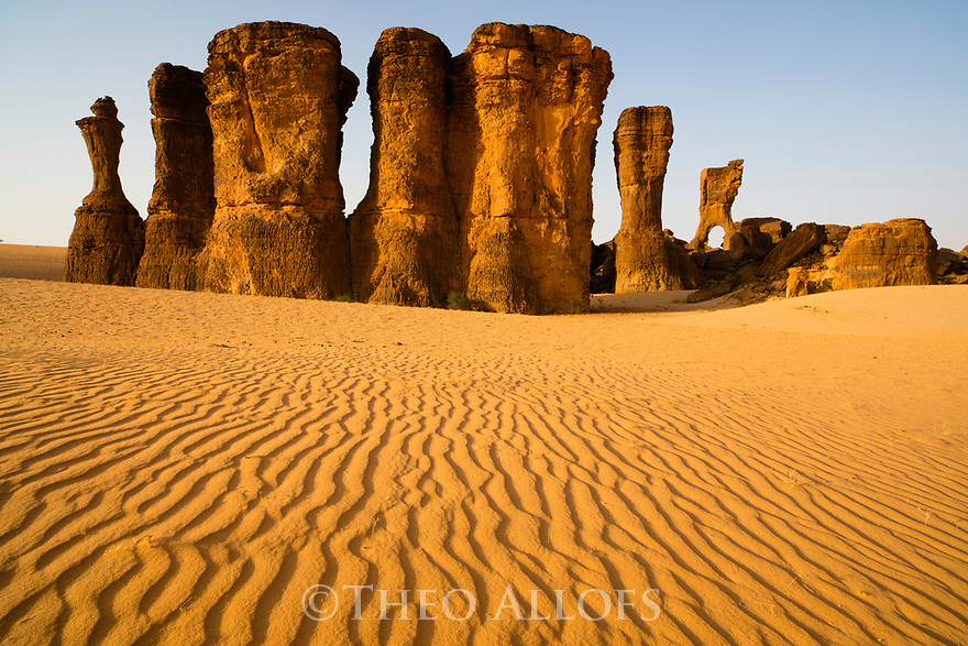 Chad (Tchad), North Africa, Sahara, Ennedi, bizarre rock formations surrounded by sand dunes