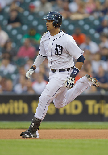 May 31, 2011:  Detroit Tigers catcher Victor Martinez (#41) in game action during MLB game between the Minnesota Twins and the Detroit Tigers at Comerica Park in Detroit, Michigan.  The Tigers defeated the Twins 8-7.