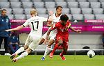 23.05.2020, Allianz Arena, München, GER, 1.FBL, FC Bayern München vs Eintracht Frankfurt 23.05.2020 , <br /><br />Nur für journalistische Zwecke!<br /><br />Gemäß den Vorgaben der DFL Deutsche Fußball Liga ist es untersagt, in dem Stadion und/oder vom Spiel angefertigte Fotoaufnahmen in Form von Sequenzbildern und/oder videoähnlichen Fotostrecken zu verwerten bzw. verwerten zu lassen. <br /><br />Only for editorial use! <br /><br />DFL regulations prohibit any use of photographs as image sequences and/or quasi-video..<br />im Bild<br />Sebastian Rode (Frankfurt), Timothy Chandler (Frankfurt), Kingsley Coman (München) <br /> Foto: Peter Schatz/Pool/Bratic/nordphoto