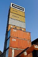 Flagship Shop (Freitag-Container) beim Viadukt, Zürich, Schweiz