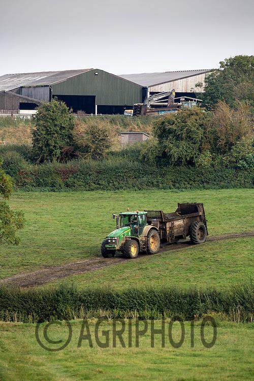 Contractors spreading  slurry on a dairy farm<br /> Picture Tim Scrivener 07850 303986