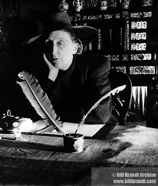 Edith Sitwell, 1945