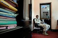 Mogadishu/Somalia 2012 - TFG soldiers guarding the Mayors office. Al-Shabaab has put a price on the Mayor head.