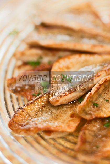 Europe/France/Rhône-Alpes/74/Haute Savoie/Anthy-sur-Léman: Filets de perche meunière du lac léman, recette de Claude Dubouloz Auberge d'Anthy