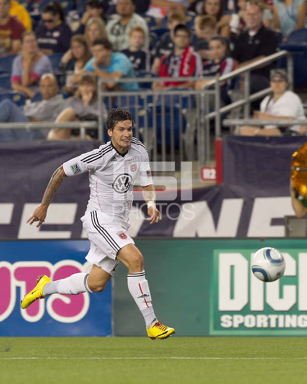 DC United midfielder Santino Quaranta (25) moves down the wing. The New England Revolution defeated DC United, 1-0, at Gillette Stadium on August 7, 2010.