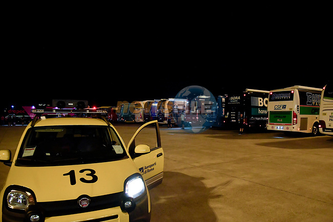 Team buses await the arrival of riders and staff at Rome airport after Stage 20 of the 2018 Giro d'Italia,  Italy. 26th May 2018.<br /> Picture: LaPresse/Marco Alpozzi | Cyclefile<br /> <br /> <br /> All photos usage must carry mandatory copyright credit (© Cyclefile | LaPresse/Marco Alpozzi)