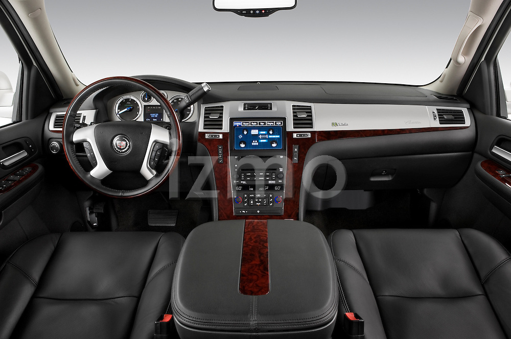 Dashboard of a 2009 Cadillac Escalade Hybrid