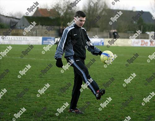 2008-12-14 / Voetbal / K. Witgoor Sport Dessel - Sint-Lenaarts / Nick Eyckens van Witgoor..Foto: Maarten Straetemans (SMB)
