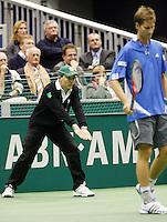 23-2-07,Tennis,Netherlands,Rotterdam,ABNAMROWTT, linesman at work