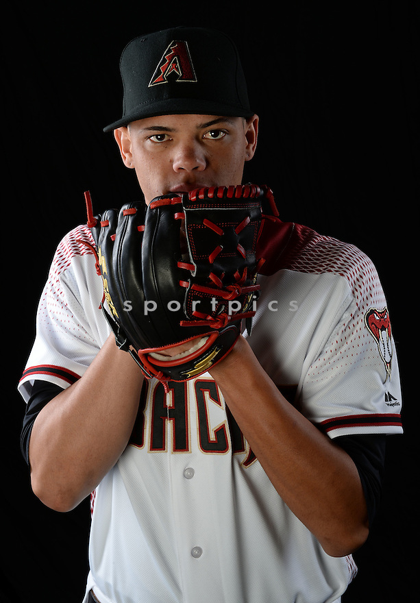 Arizona Diamondbacks Yoan Lopez (32) during photo day on February 28, 2016 in Scottsdale, AZ.