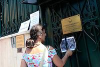 Roma, 25 Giugno 2016<br /> La Rete italiana di solidarieta' con il popolo kurdo lancia la campagna di boicottaggio alla Turchia con un blitz all'ambasciata turca dove attivisti e attiviste aprono uno striscione e mettono foto e manifesti della guerra del governo turco contro la popolazione curda.<br /> Il manifesto della campagna è firmato da Zerocalcare.<br /> <br /> The Italian Network of solidarity with the Kurdish people is launching the boycott campaign to Turkey with a blitz at the Turkish embassy where activists opened a banner and put photos and posters of the turkish government's war against the Kurdish population.<br /> The poster campaign is signed by Zerocalcare.