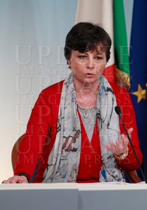 Il Ministro dell'Istruzione e della Ricerca Scientifica Maria Chiara Carrozza al termine del Consiglio dei Ministri, a Palazzo Chigi, Roma, 6 febbraio 2014.<br /> Italian Education and Research Minister Maria Chiara Carrozza speaks during a press conference at the cabinet meeting at Chigi palace, Rome, 6 February 2014.<br /> UPDATE IMAGES PRESS/Isabella Bonotto