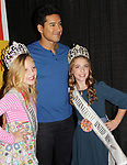 Bold and Beautiful and Saved by the Bell's Mario Lopez is the keynote speaker at the New Jersey Ultimate Women's Expo poses with fans on October 29, 2017 at the New Jersey Convention Center, Edison, New Jersey. He did a Q&A, Meet and Greet, photos and posed with Sponsor ShopRite.  (Photo by Sue Coflin/Max Photo)