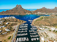Aerial view of yacht pier, boats, Tetakahui bay near the desert in San Carlos, Sonora, Mexico. Gulf of California. Sea of ​​Cort&eacute;s. Mar Bermejo, is located between the peninsula of Baja California and the states of Sonora and Sinaloa, northwest of Mexico. Tourist destination, trips. Blue, Boats, calm. High Angle View (Photo: Luis Gutierrez / NortePhoto.com)<br /> ......<br /> Vista aerea de embarcadero de yates, barcos, bahia cerro Tetakahui junto al desierto en San Carlos, Sonora, Mexico. Golfo de California. mar de Cort&eacute;s​. mar Bermejo, se  ubica entre la pen&iacute;nsula de Baja California y los estados de Sonora y Sinaloa, al noroeste de M&eacute;xico. Destino turistico, viajes. Azul, Barcos, calma. High Angle View  (Photo: Luis Gutierrez / NortePhoto.com)