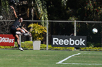 SAO PAULO, 14 DE AGOSTO DE 2012 - TREINO SAO PAULO - Jogador Wellington durante treino do Sao Paulo no CT do clube, na Barra Funda, regiao oeste da capital, na manha desta terca feira. FOTO: ALEXANDRE MOREIRA - BRAZIL PHOTO PRESS