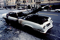 New-York (NY) USA - 1988 File Photo -  Burn car
