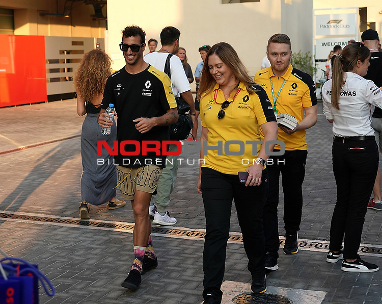 28.11.2019, Yas Marina Circuit, Abu Dhabi, FORMULA 1 ETIHAD AIRWAYS ABU DHABI GRAND PRIX 2019<br />, im Bild<br />Daniel Ricciardo (AUS#3), Renault F1 Team<br /> <br /> Foto © nordphoto / Bratic