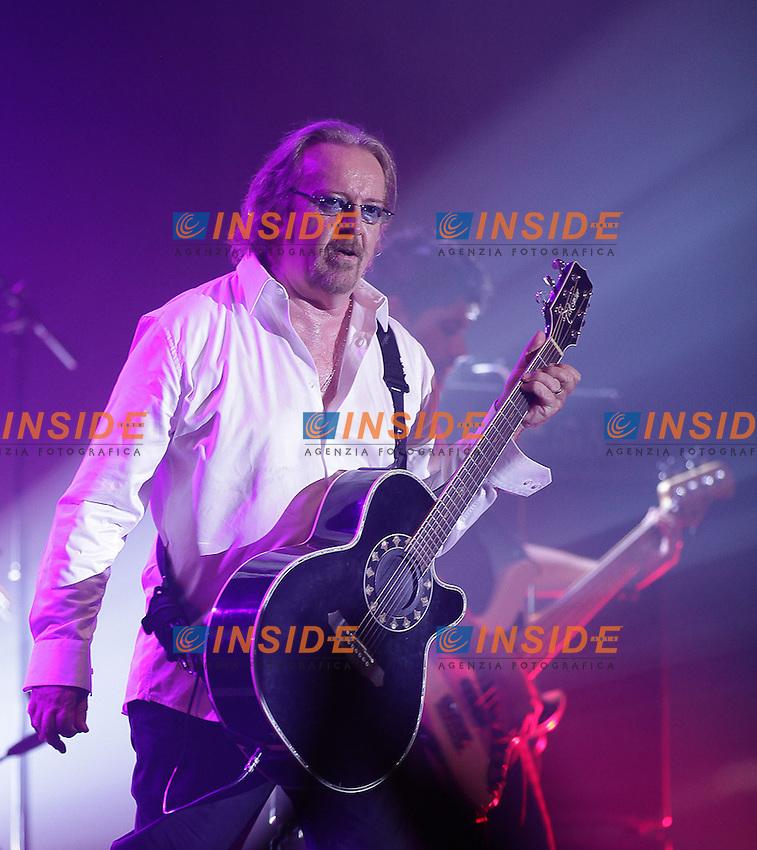 Umberto Tozzi .Douai ( Francia ) 3/9/2012.Concerto.Foto Insidefoto / Panoramic.ITALY ONLY