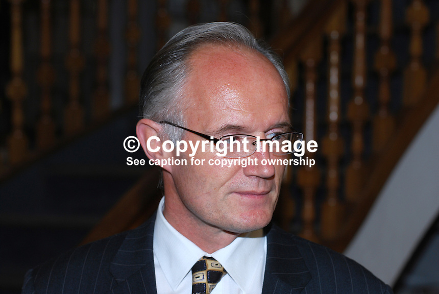 John Killen, acting librarian, Linen Hall Library, Belfast, N Ireland, UK, 200910163119..Copyright Image from Victor Patterson, 54 Dorchester Park, Belfast, UK, BT9 6RJ..Tel: +44 28 9066 1296.Mob: +44 7802 353836.Voicemail +44 20 8816 7153.Skype: victorpattersonbelfast.Email: victorpatterson@mac.com.Email: victorpatterson@ireland.com (back-up)..IMPORTANT: If you wish to use this image or any other of my images please go to www.victorpatterson.com and click on the Terms & Conditions. Then contact me by email or phone with the reference number(s) of the image(s) concerned.