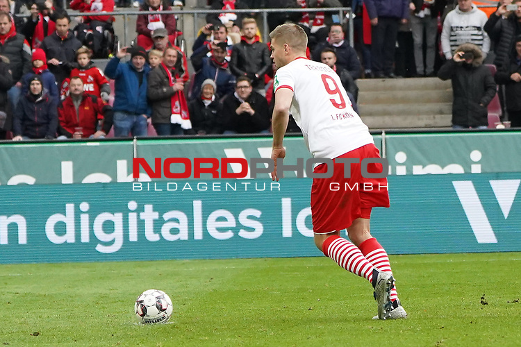 01.12.2018, RheinEnergieStadion, Koeln, GER, 2. FBL, 1.FC Koeln vs. SpVgg Greuther Fürth,<br />  <br /> DFL regulations prohibit any use of photographs as image sequences and/or quasi-video<br /> <br /> im Bild / picture shows: <br /> 2:0 fuer den FC durch Simon Terodde (FC Koeln #9), <br /> <br /> Foto © nordphoto / Meuter