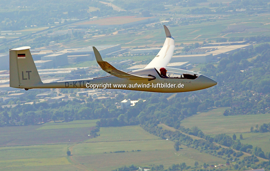 Segelflugzeug Ventus 2cxm: DEUTSCHLAND 12.06.2015: Segelflugzeug Ventus 2cxm