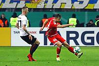 Alexander Hack (1. FSV Mainz 05) gegen Marius Wolf (Eintracht Frankfurt) - 07.02.2018: Eintracht Frankfurt vs. 1. FSV Mainz 05, DFB-Pokal Viertelfinale, Commerzbank Arena