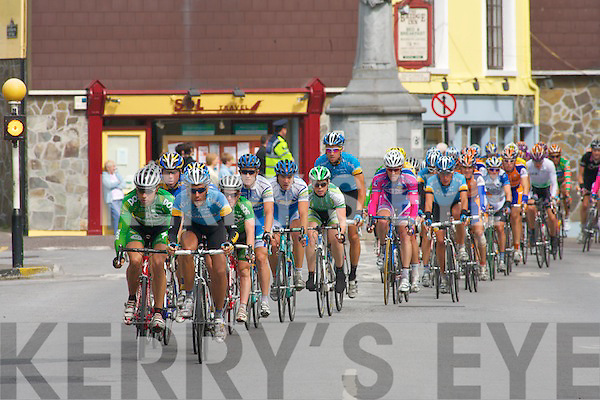 TOUR OF IRELAND: The riders in Tralee of Stage 4 of the Tour of Ireland coming through on Saturday..   Copyright Kerry's Eye 2008