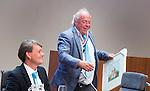 UTRECHT _ Algemene Ledenvergadering Utrecht, van de KNHB.  Bas Maassen ,  die terugtreedt als penningmeester , en directeur Erik Gerritsen, Aftredend penningmeester Bas Maassen is benoemd tot Lid van Verdienste.   Copyright Koen Suyk