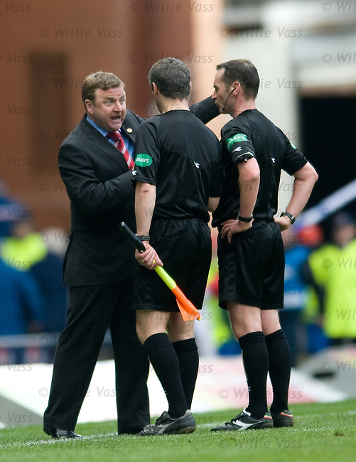 Billy Reid has his say with the match officials after the match