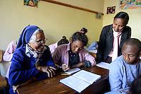 MADAGASCAR Antananarivo / MADAGASKAR Antananarivo, CENTER FIHAVANANA fuer Strassenkinder geleitet von den SCHWESTERN VOM GUTEN HIRTEN / SOEURS DU BON PASTEUR / GOOD SHEPHERD SISTERS, Sr. ANNAMMA VATTAKOTTAYIL