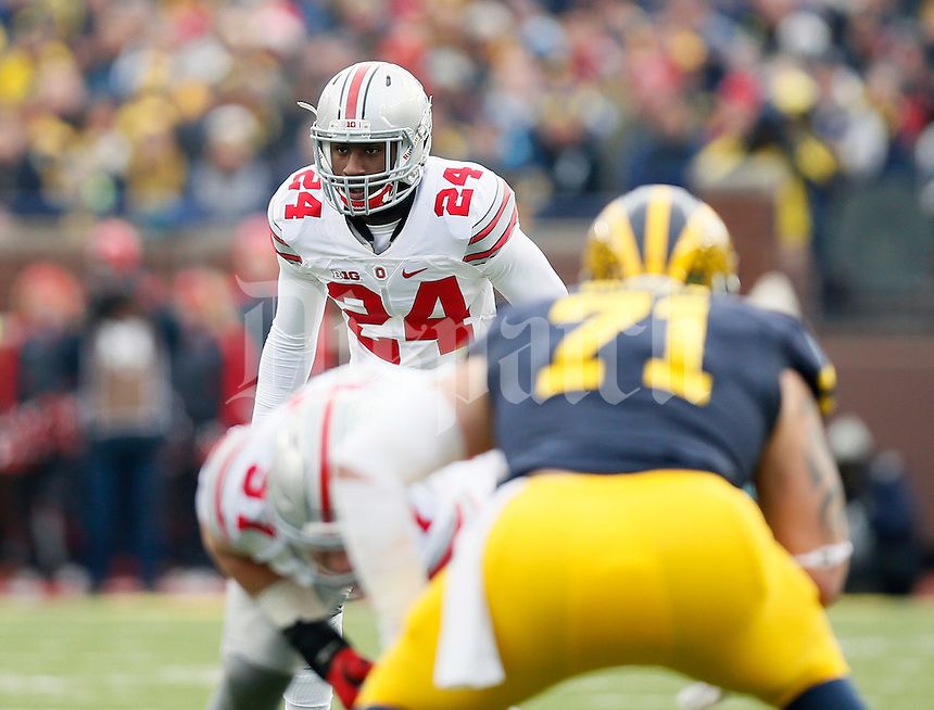 Ohio State Buckeyes safety Malik Hooker (24) against Michigan Wolverines at Michigan Stadium in Arbor, Michigan on November 28, 2015.  (Dispatch photo by Kyle Robertson)