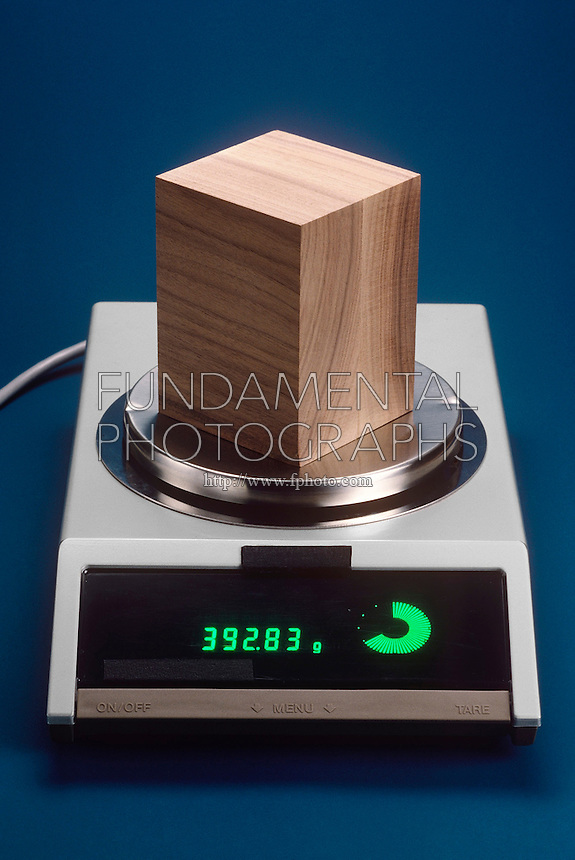 WOODEN BLOCK ON A BALANCE<br />