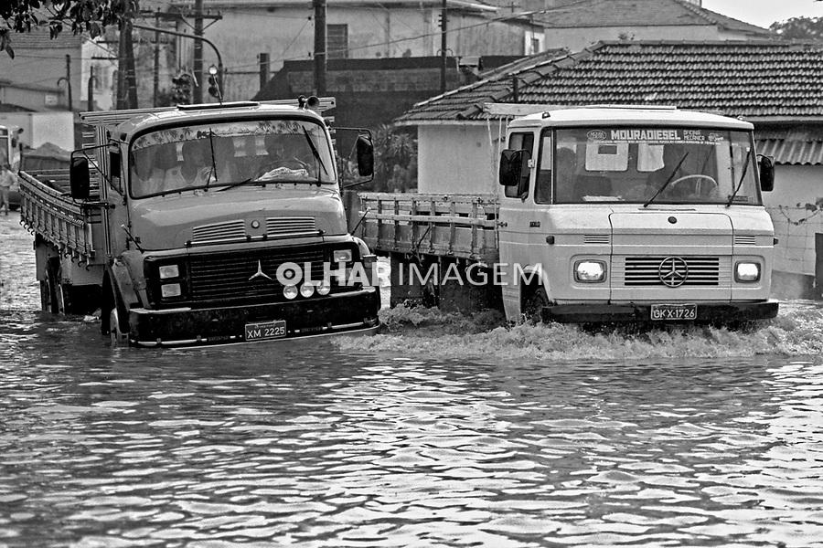 Enchente na favela Heliópolis. São Paulo. 1992. Foto de Juca Martins.