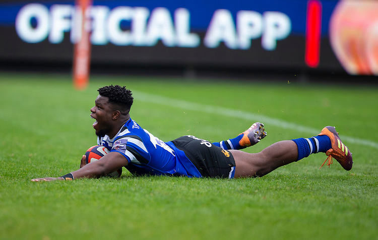 Bath Rugby's Levi Davis scores his sides first try<br /> <br /> Photographer Bob Bradford/CameraSport<br /> <br /> Premiership Rugby Cup Round Three - Bath Rugby v Leicester Tigers - Saturday 5th October 2019 - The Recreation Ground - Bath<br /> <br /> World Copyright © 2018 CameraSport. All rights reserved. 43 Linden Ave. Countesthorpe. Leicester. England. LE8 5PG - Tel: +44 (0) 116 277 4147 - admin@camerasport.com - www.camerasport.com