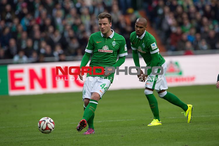 04.04.2015, Weser Stadion, Bremen, GER, 1.FBL. Werder Bremen vs 1. FSV Mainz 05, im Bild<br /> <br /> <br /> Philipp Bargfrede (Bremen #44)<br /> Theodor Gebre Selassie (Bremen #23)<br /> <br /> <br /> <br /> Foto &copy; nordphoto / Kokenge